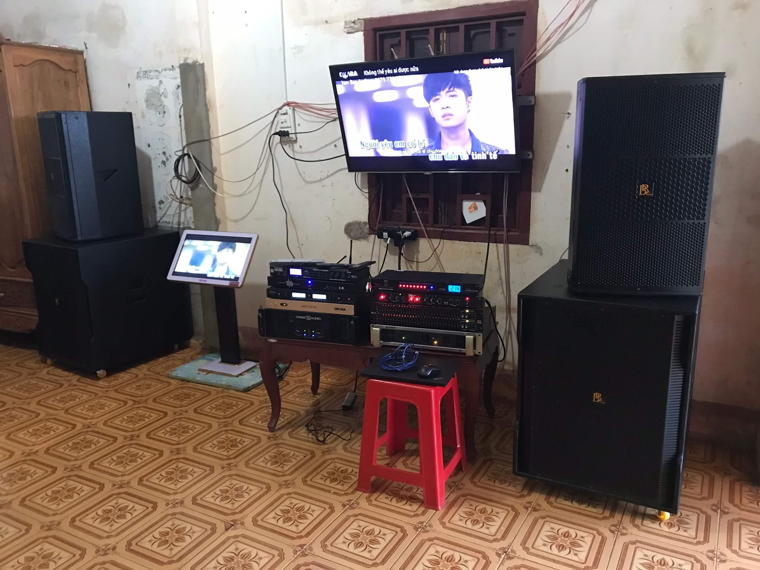 Dàn âm thanh hát với nhau tại nhà