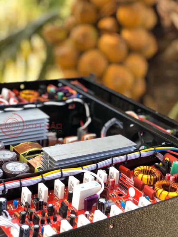 Cục đẩy công suất XTR 2400 - Main 2 kênh