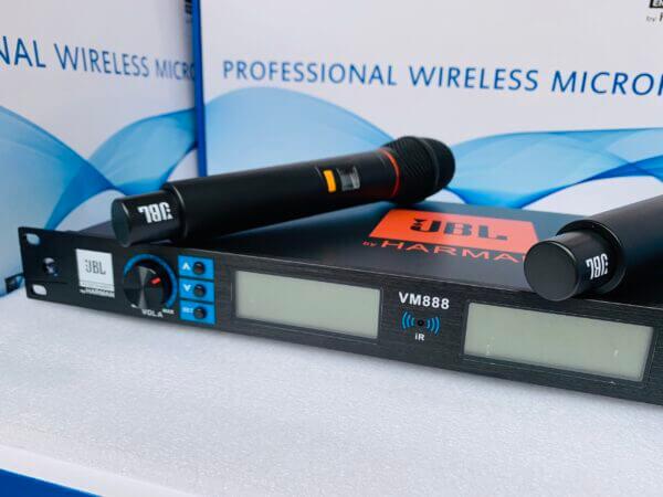 Micro không dây JBL VM888